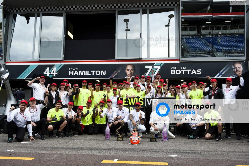 Mercedes AMG F1 team team photograph