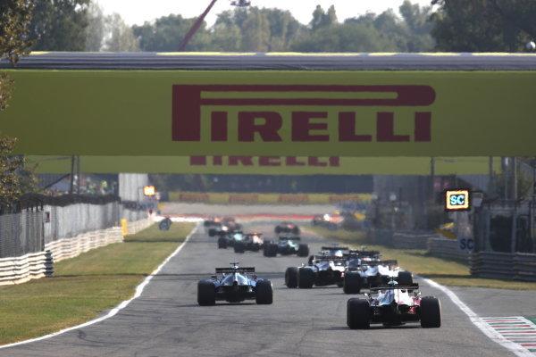 George Russell, Williams FW43B, leads Robert Kubica, Alfa Romeo Racing C41