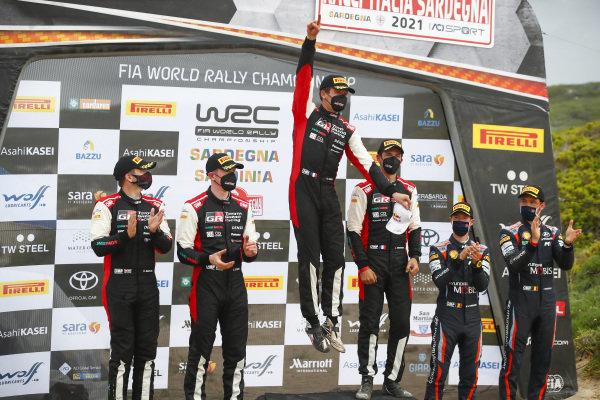 Sébastien Ogier (FRA), Julien Ingrassia (FRA), Elfyn Evans (GB), Toyota Gazoo Racing WRT, Toyota Yaris WRC 2021, Thierry Neuville (BEL), Hyundai World Rally Team, Hyundai i20 Coupe WRC 2021