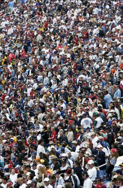 2002 NASCAR Miami, USA November 14-17,2002,Homestead-Miami Motorsports Complex-crowd image,-Robt LeSieur2002LAT Photographic