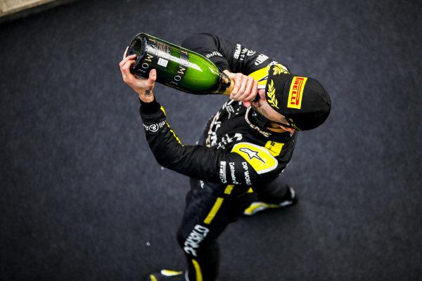 Daniel Ricciardo, Renault F1 celebrates on the podium with the champagne