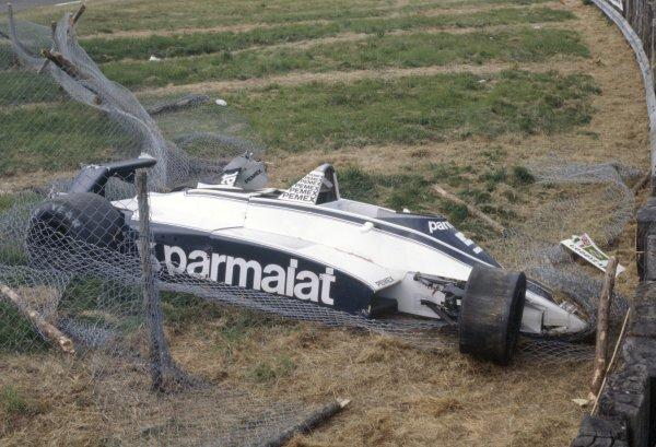 1981 British Grand Prix.Silverstone, Great Britain. 16-18 July 1981.Nelson Piquet (Brabham BT49C-Ford Cosworth), accident. Crash, wreckage.World Copyright: LAT PhotographicRef: 35mm transparency 81GB15