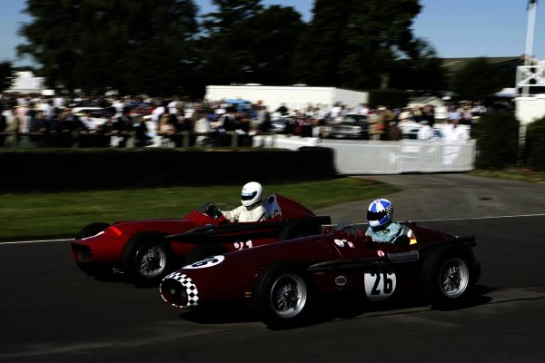 2005 Goodwood Revival MeetingGoodwood, West Sussex. 16th - 18th September 2005Richmond & Gordon TrophiesBurkhard von Schenk (Maserati 250F) leads Barrie Baxter (Tecnica Meccanica-Maserati 250F), action.World Copyright: Gary Hawkins/LAT Photographic