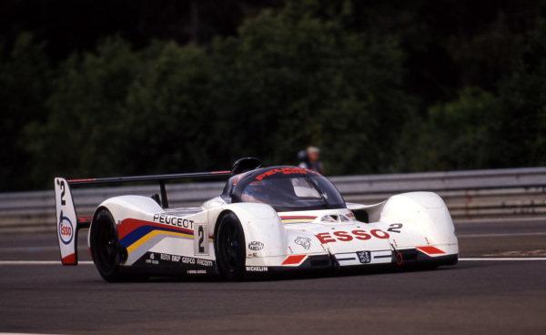 Mauro Baldi (ITA) / Philippe Alliot (FRA) / Jean-Pierre Jabouille (FRA), Peugeot 905 Evo 1B, finished third. Le Mans 24 Hours, Le Mans, France, 20-21 June 1992.