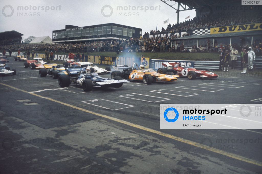 1971 Race of Champions.  Brands Hatch, England. 21st March 1971.  Jackie Stewart, Tyrrell 001 Ford, Denny Hulme, McLaren M14A Ford, and Clay Regazzoni, Ferrari 312B2, lead off the front row of the grid at the start.  Ref: 71ROC10. World Copyright: LAT Photographic