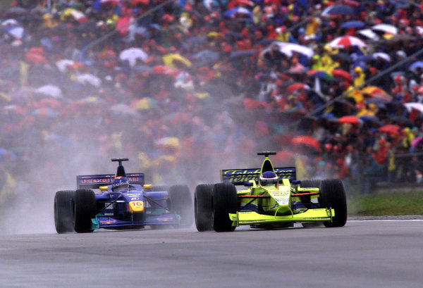 2000 European Grand Prix.Nurburgring, Germany. 19-21 May 2000.Gaston Mazzacane (Minardi M02 Ford) followed by Pedro Diniz (Sauber C19 Petronas). They finished in 8th and 7th positions respectively.World Copyright - Steve Etherington/LAT Photographic18mb Digital