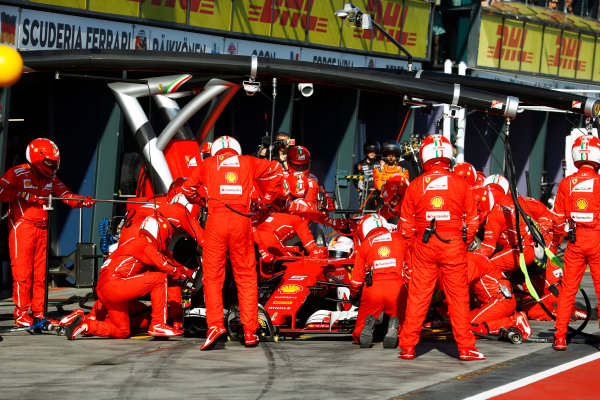 Albert Park, Melbourne, Australia. Sunday 26 March 2017. Sebastian Vettel, Ferrari SF70H, makes a pit stop. World Copyright: Steven Tee/LAT Images ref: Digital Image _R3I0738