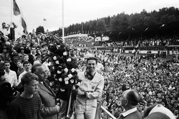 Jim Clark, Lotus 25 Climax, winner.