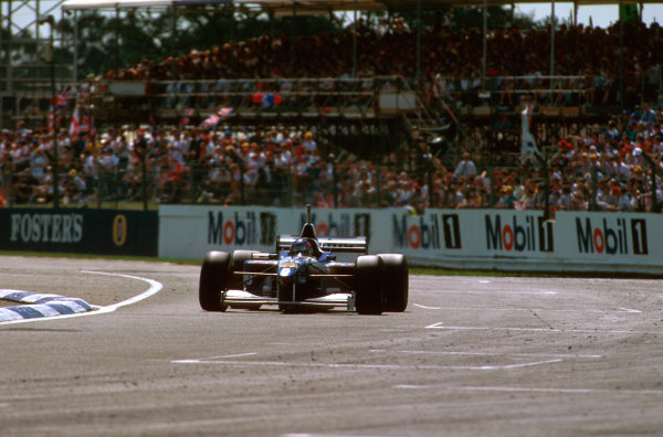 Silverstone, England.12-14 July 1996.Jacques Villeneuve (Williams FW18 Renault) 1st position.Ref-96 GB 12.World Copyright - LAT Photographic