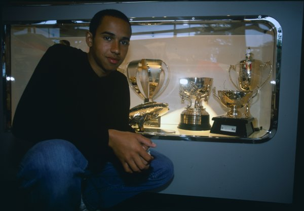 2000 McLaren Factory Visit.Woking, England. 27th May 2000.Lewis Hamilton visits the McLaren factory and helps make a car.World Copyright: Lorenzo Bellanca/LAT Photographic.