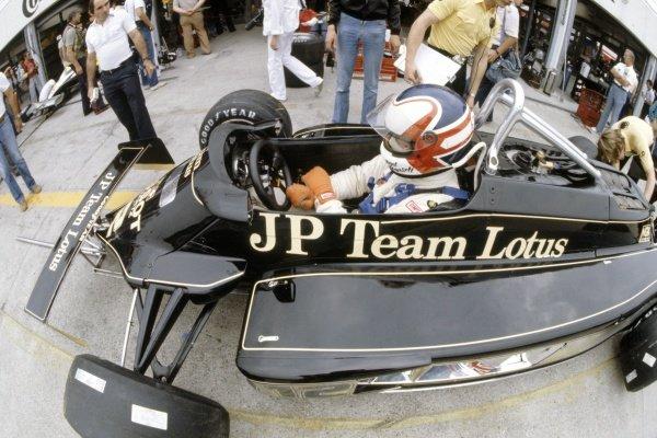 1981 German Grand Prix.Hockenheim, Germany. 31 July-2 August 1981.Nigel Mansell (Lotus 87-Ford Cosworth), retired.World Copyright: LAT PhotographicRef: 35mm transparency 81GER19