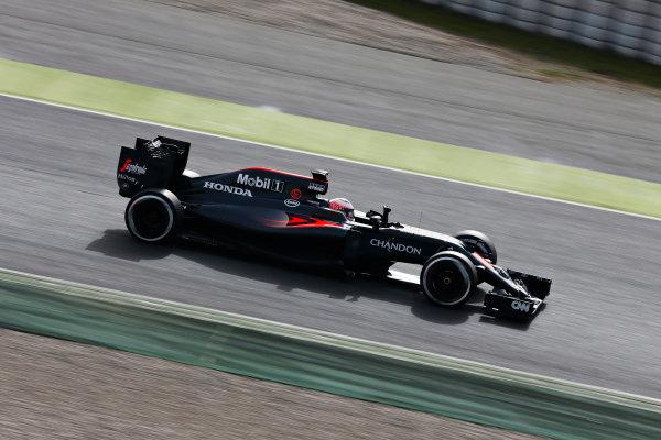 Circuit de Catalunya, Barcelona, Spain Monday 22 February 2016. Jenson Button, McLaren MP4-31 Honda. World Copyright: Alastair Staley/LAT Photographic ref: Digital Image _79P9576