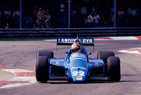 1986 Italian Grand Prix. Monza, Italy. 5-7 September 1986. Alex Caffi (Osella FA1F Alfa Romeo) 11th position. Ref-86 ITA 45. World Copyright - LAT Photographic