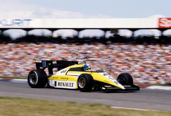 1984 German Grand Prix.Hockenheim, Germany.3-5 August 1984.Derek Warwick (Renault RE50) 3rd position.Ref-84 GER 25.World Copyright - LAT Photographic