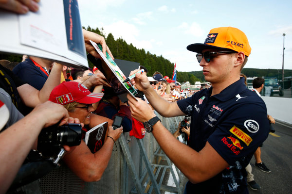 Spa Francorchamps, Belgium.  Thursday 24 August 2017. Max Verstappen, Red Bull Racing, signs autographs for fans. World Copyright: Andy Hone/LAT Images  ref: Digital Image _ONZ8469