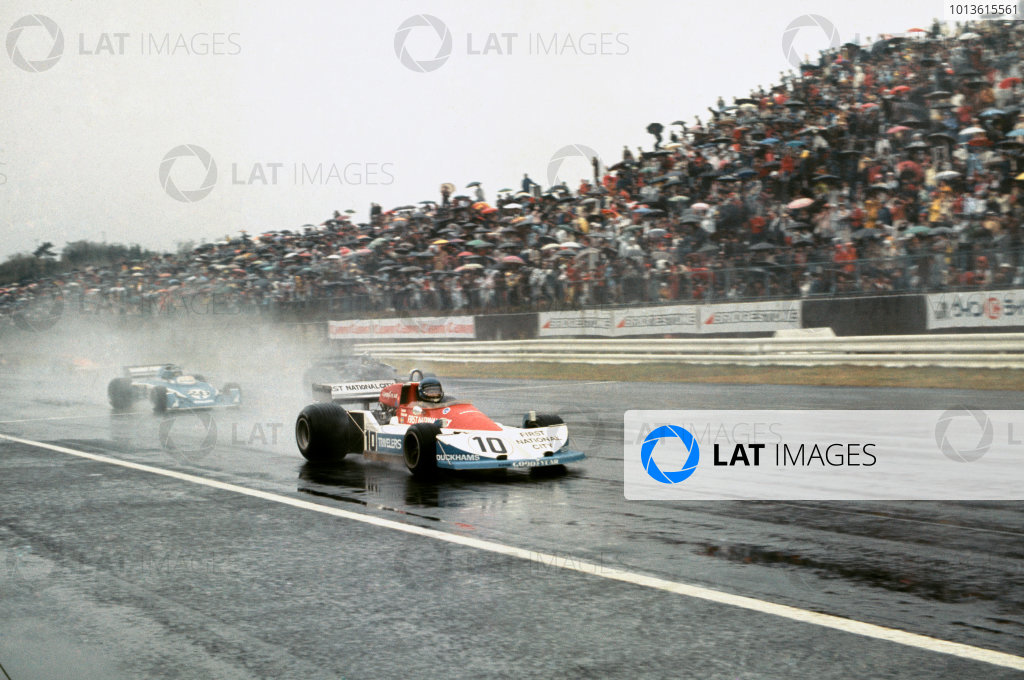 Fuji, Japan. 22 - 24 October 1976. Ronnie Peterson (March 761-Ford), retired, action.  World Copyright: LAT Photographic. Ref:  76JAP42