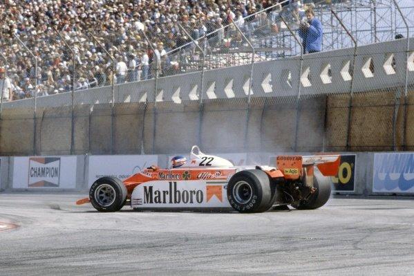1980 United States Grand Prix West.Long Beach, California, USA. 28-30 March 1980.Patrick Depailler (Alfa Romeo 179B) spins.World Copyright: LAT PhotographicRef: 35mm transparency 80LB24