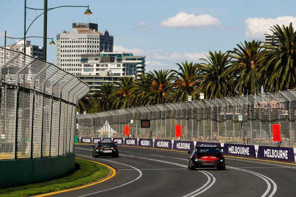 Cameron Waters, Tickford Racing Ford, leads Anton De Pasquale, Erebus Motorsport Holden.