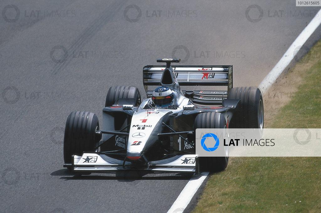 Silverstone, England.9-11 July 1999.Mika Hakkinen (McLaren MP4/14 Mercedes-Benz).Ref-99 GB 33.World Copyright - Bellanca/LAT Photographic