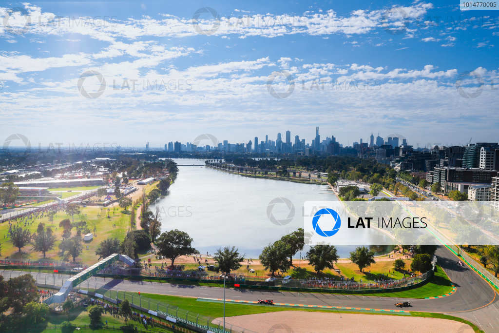 Albert Park, Melbourne, Australia. Sunday 26 March 2017. The drivers on the parade lap as seen from the air. World Copyright: Sam Bloxham/LAT Images ref: Digital Image _J6I4314