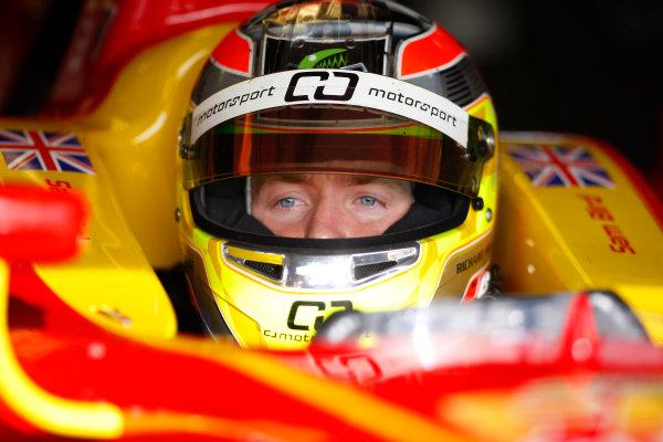 Thuesday 12th November 2009. Sam Bird (GBR, Fat Burner Racing Engineering). Portrait.  World Copyright: Alastair Staley/GP2 Series Media Service.Ref: _O9T1558 jpg
