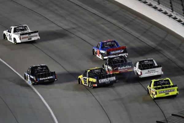 #18: Harrison Burton, Kyle Busch Motorsports, Toyota Tundra Safelite AutoGlass and #98: Grant Enfinger, ThorSport Racing, Ford F-150 Champion Power Equipment