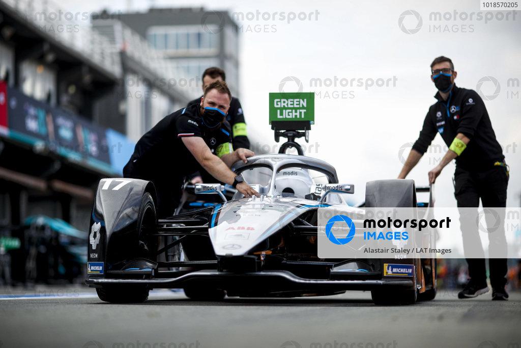 Mechanics move the car of Nyck de Vries (NLD), Mercedes Benz EQ, EQ Silver Arrow 02