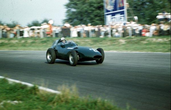 1957 Italian Grand Prix.Monza, Italy.6-8 September 1957.Stuart Lewis-Evans (Vanwall VW7).Ref-57 ITA 05.World Copyright - LAT Photographic