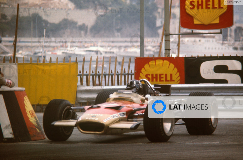 Monte Carlo, Monaco. 23-26 May 1968. Graham Hill (Lotus 49B Ford) 1st position, action.Ref-68MON10.World Copyright - LAT Photographic