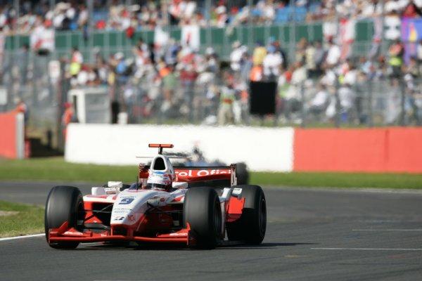 2007 GP2 Series Round 5. Silverstone, England. 8th July 2007. Sunday Race.Adam Carroll (GBR, Petrol Ofisi FMS International). Action.World Copyright: Andrew Ferraro/GP2 Series Media Service.  ref: Digital Image _F6E6773