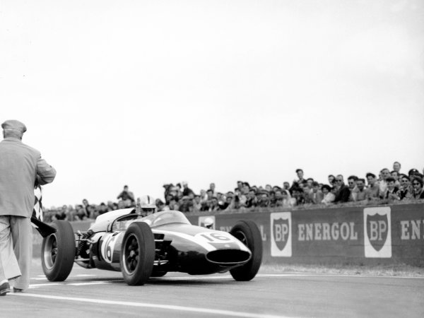1960 French Grand Prix. Reims-Gueux, France. 3 July 1960. Jack Brabham (Cooper T53-Climax), 1st position. World Copyright - LAT Photographic. Ref: Autocar Glass Plate C59164.