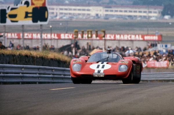 Le Mans, France. 13-14 June 1970 Sam Posey/Ronnie Bucknum (Ferrari 512S), 4th position, action. World Copyright: LAT PhotographicRef: 70LM42