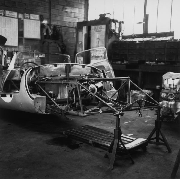 Le Mans, France. 28th - 29th July 1956.Umberto Maglioli/Hans Herrmann (Porsche 550A RS CoupeŽ), retired, in the garage, action. World Copyright: LAT Photographic.Ref: 787.