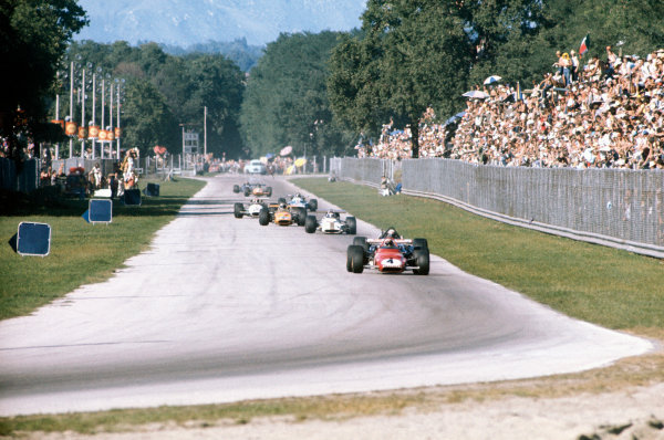 Monza, Italy. 4-6 September 1970.Clay Regazzoni (Ferrari 312B), 1st position, eleads the field on lap 1. action. World Copyright: LAT Photographic.Ref:  70ITA08.