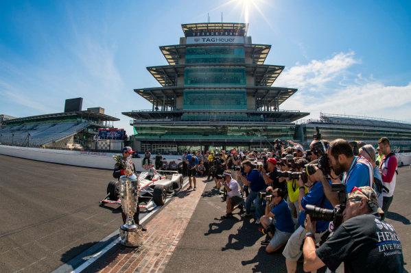 Winner, Will Power, Team Penske Chevrolet with Borg-Warner Trophy, photographersWinner Will Power, Team Penske Chevrolet and team