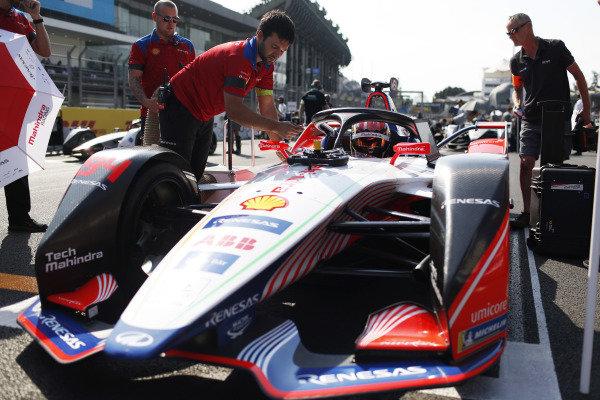 Pascal Wehrlein (DEU), Mahindra Racing, M5 Electro, on Pole Position