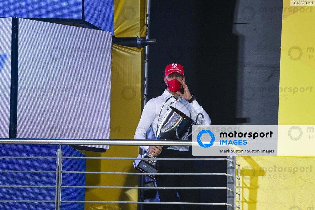 Mick Schumacher (DEU, PREMA RACING), with his championship trophy