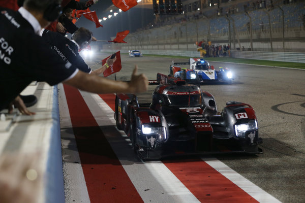 2016 FIA World Endurance Championship, Bahrain International Circuit, 17th-19th November 2016, Lucas di Grassi / Loic Duval / Oliver Jarvis - Audi Sport Team Joest Audi R18 World Copyright. Jakob Ebrey/LAT Photographic