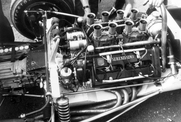 1966 Belgian Grand Prix.Spa-Francorchamps, Belgium. 12 June 1966.The engine in the car of Bruce McLaren, McLaren M2B-Serenissima, did not start, technical detail.World Copyright: LAT PhotographicRef: Motor b&w print