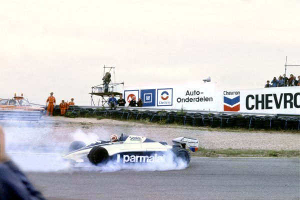 1982 Dutch Grand Prix.Zandvoort, Holland. 3 July 1982.Nelson Piquet, Brabham BT50-BMW, 2nd position, spins, action.World Copyright: LAT PhotographicRef: 35mm transparency 82HOL78