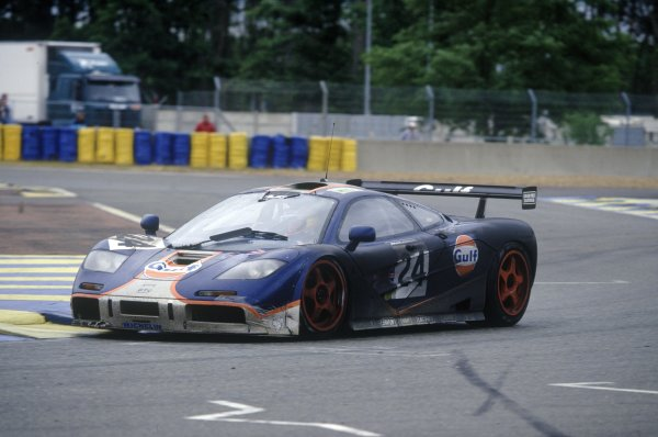 1995 Le Mans 24 Hours. Le Mans, France. 17th - 18th June 1995. Mark Blundell/Ray Bellm/Maurizio Sala   (McLaren F1 GTR) 4th position, action. World Copyright: LAT Photographic ref: 95LM08.