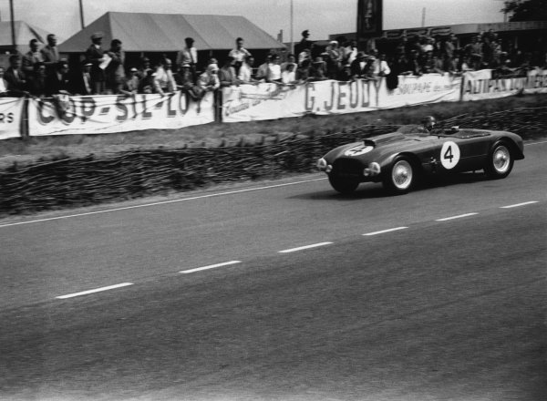 Le Mans, France. 13-14 June 1953 Sydney Allard/Philip Fotheringham-Parker (Allard-Cadillac J2R), retired, action World Copyright: LAT PhotographicRef: 53 - 53 - 30A-31.