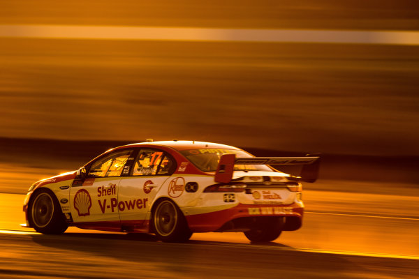 2017 Supercars Championship Round 8.  Ipswich SuperSprint, Queensland Raceway, Queensland, Australia. Friday 28th July to Sunday 30th July 2017. Scott McLaughlin, Team Penske Ford.  World Copyright: Daniel Kalisz/ LAT Images Ref: Digital Image 290717_VASCR8_DKIMG_10396.jpg