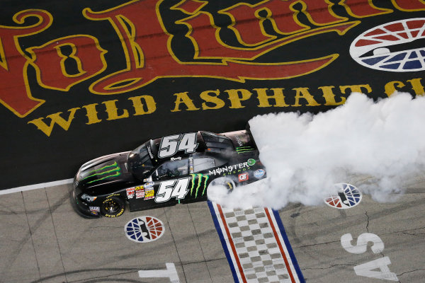 11-12 April, 2013, Fort Worth, Texas, USA Kyle Busch burnout © 2013, Michael L. Levitt LAT Photo USA.