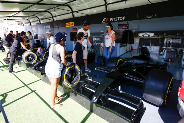 Circuit de Catalunya, Barcelona, Spain. Sunday 14 May 2017. Fans take the pit stop challenge. World Copyright: Andy Hone/LAT Images ref: Digital Image _ONZ5823