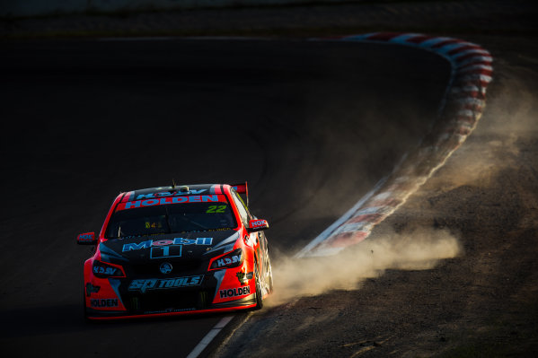 2016 V8 Supercar Championship Round 5.  Winton SuperSprint, Winton Raceway, Victoria, Australia. Friday 19th May to Sunday 21st May 2016. James Courtney drives the #22 Holden Racing Team Holden Commodore VF. World Copyright: Daniel Kalisz/LAT Photographic Ref: Digital Image 200516_V8SCR5_WINTON_DKIMG_0940.JPG