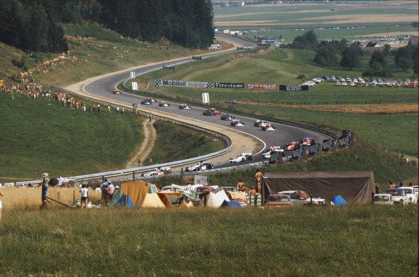 1972 Austrian Grand Prix.  Osterreichring, Zeltweg, Austria. 11-13th August 1972.  The cars enter Dr Tiroch Kurve.  Ref: 72AUT41. World Copyright: LAT Photographic