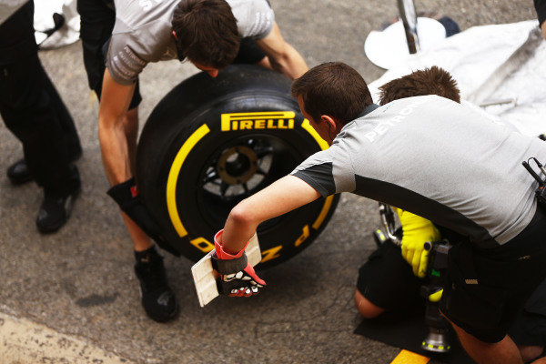 Circuit de Catalunya, Barcelona, Spain. Thursday 8 May 2014. Mercedes engineers prepare some tyres. World Copyright: Andy Hone/LAT Photographic. ref: Digital Image _ONY7839