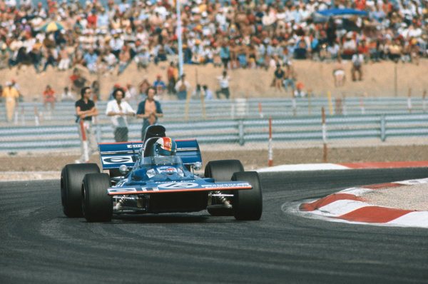 1971 French Grand Prix.  Paul Ricard, Le Castellet, France. 2nd-4th July 1971.  François Cevert, Tyrrell 002 Ford, 2nd position.  Ref: 71FRA18. World Copyright: LAT Photographic