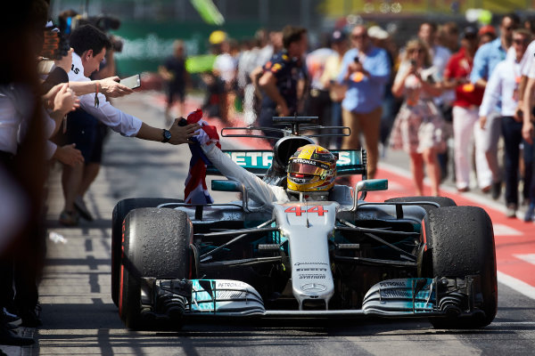 Circuit Gilles Villeneuve, Montreal, Canada. Sunday 11 June 2017. Lewis Hamilton, Mercedes F1 W08 EQ Power+, 1st Position, arrives in Parc Ferme flying the Union flag. World Copyright: Steve Etherington/LAT Images ref: Digital Imagee SNE18234